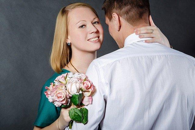 rande s květinou