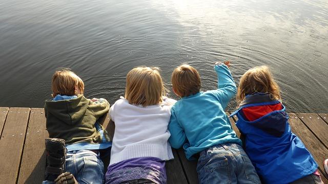 skupinka dětí