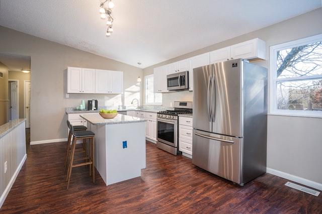 americká lednice, vybavení kuchyně.jpg
